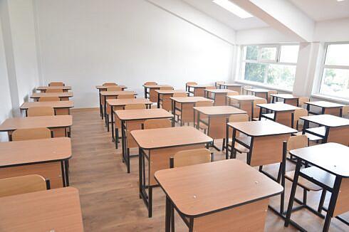 Covid mai puțin în școli. Doar 7 clase vor trece la cursuri online